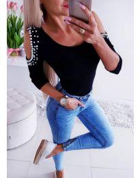 Дамска черна блуза с голи рамена и перли - код 3272