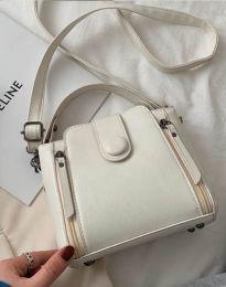 Атрактивна дамска чанта в бяло - код B349