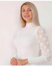 Блуза в бяло с ефектни  ръкави - код 7870