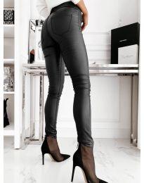 Втален дамски панталон в черно - код 2788