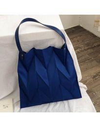 Атрактивна дамска чанта в синьо - код B522