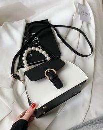 Дамска чанта в черно - код B439