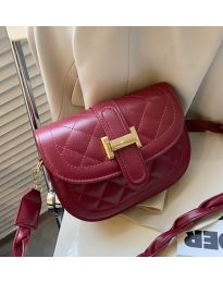 Дамска чанта в бордо - код B115
