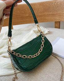 Ефектна дамска чанта в зелено - код B299