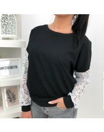 Дамска блуза в черно с дантелени ръкави - код 4060