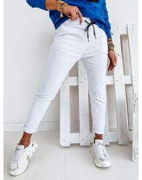 Дамски панталон в бяло - код 2020