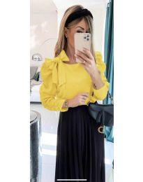 Стилна дамска блуза с пандела на рамото в жълто - код 890