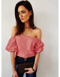 Дамска блуза с паднали къси ръкави в цвят пудра - код 243