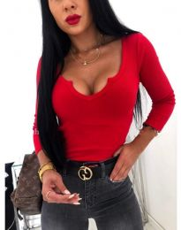 Червена дамска изчистена блуза с голямо деколте- код 487