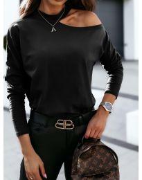 Дамска блуза в черно с голо рамо - код 41511