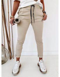 Дамски панталон в бежово - код 2020