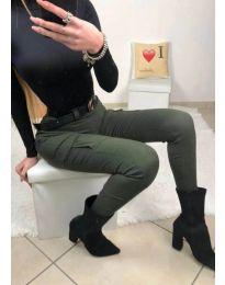 Дамски панталон със странични джобове в зелено - код 731