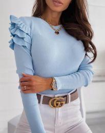 Екстравагантна дамска блуза в светлосиньо - код 3608