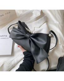 Атрактивна дамска чанта с панделка в черно - код B527
