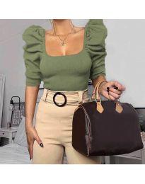 Дамска блуза с бухнали ръкави в маслено зелено - код 9867