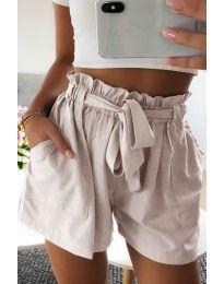 Къси панталонки в бежово - код 3637