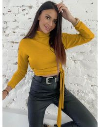 Къса дамска блуза в цвят горчица - код 5757