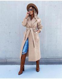 Дълго дамско палто в бежово - код 5877