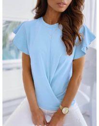 Дамска тениска тип прегърни ме в светло синьо - код 515