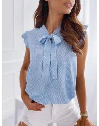 Елегантна блуза с къс ръкав в светлосиньо - код 300