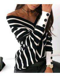 Свободна дамска блуза с отворено деколте в черно - код 1070