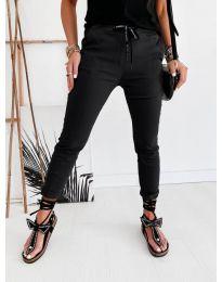Дамски панталон в черно - код 2020