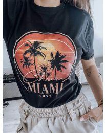 Дамска тениска в черно - код 175
