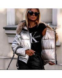 Дамско яке в сребристо с качулка от еко косъм - код 843