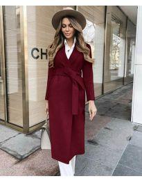 Дълго дамско палто с колан в бордо - код 4941