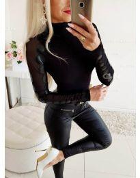 Дамска черна блуза с ръкави от тюл - код 3527