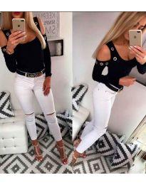 Блуза в черно с голи рамена и метални халки - код 3534