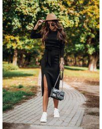 Дълга рокля с цепка в черно - код 9010
