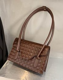 Атрактивна дамска чанта в кафяво - код B350
