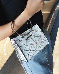 Ефектна дамска чанта в бяло - код B315