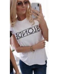 """Бяла тениска с надпис """"BLONDE"""" - код 143"""
