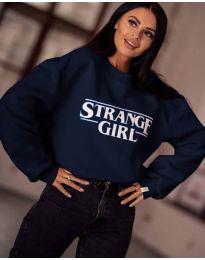 Свободна дамска блуза в тъмно синьо с надпис - код 2070
