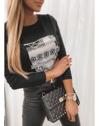 Дамска блуза с ефектен принт в черно - код 2656