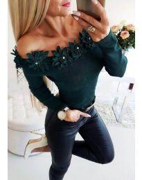 Блуза в зелено с лодка деколте с цветя - код 2882