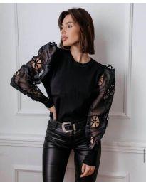 Блуза с ефектни бухнали ръкави в черно - код 3528