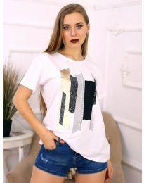 Дамска бяла тениска с екстравагантен принт - код 3516