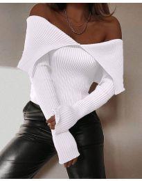 Дамска блуза с лодка деколте в бяло - код 5222
