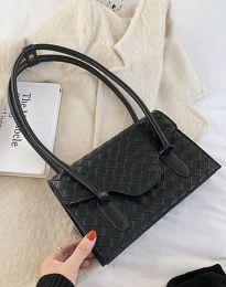 Атрактивна дамска чанта в черно - код B350