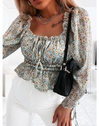 Дамска блуза с флорален десен в светло синьо - код 0788