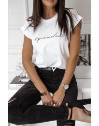 Тениска с надпис в бял цвят - код 3589