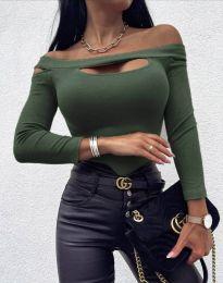 Екстравагантна дамска блуза в масленозелено - код 11601