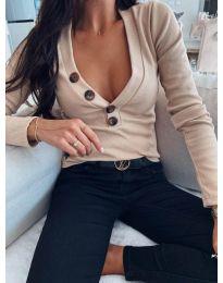 Блуза с дълбоко деколте в бежово - код 3421