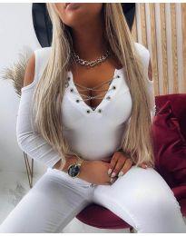 Дамска блуза в бяло с атрактивно деколте - код 4474