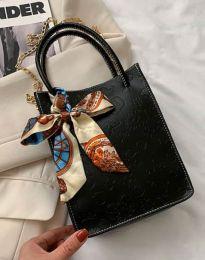 Дамска чанта в черно - код B460