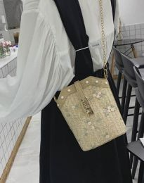 Атрактивна дамска чанта в бежово - код B294