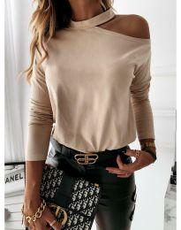 Дамска блуза в бежово с голо рамо - код 41511